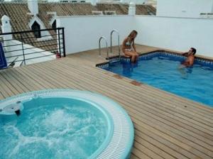 Apartamentos Ardales Pool